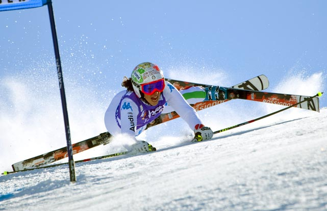 At the Alpine Skiing World Cup in Austria, Federica Brignone finds out that the worst time to do a split is while you're skiing down a hill.