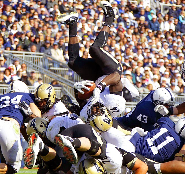 Boilermakers' running back Akeem Shavers scores head first in a 23-18 loss to  Penn State.