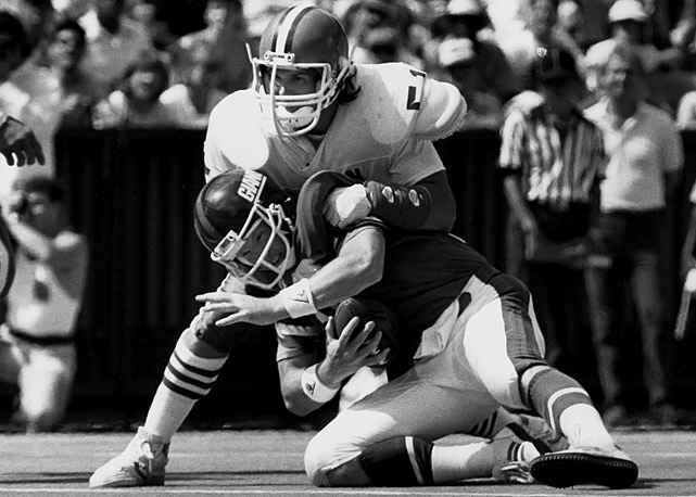 Pressuring the quarterback was not Matthews' greatest asset, but longevity and toughness made for a career sacks mark of 62 -- not counting the first five years of his career when the statistic was not recognized -- that does not come close to reflect how dominant a force Matthews was on the field.