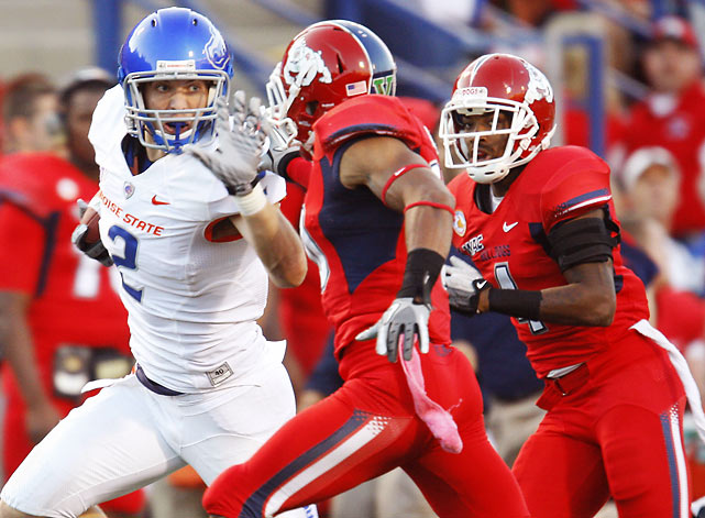 Kellen Moore bounced back from a rare off day in Week 5 to go 23-for-31 for 254 yards and three touchdowns. Two of those scoring strikes were to receiver Geraldo Boldewijn, who returned from an NCAA suspension. The Broncos scored nearly as many touchdowns (eight) as Fresno State had first downs (nine.)