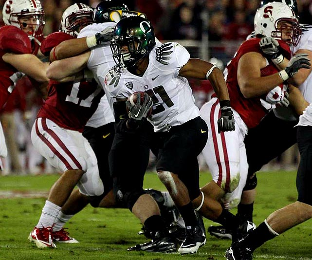 Last week:  20 rushes for 146 yards and three TDs; one reception for 10 yards; one punt return for three yards in 53-30 win over No. 3 Stanford.   Season (eight games):  153 rushes for 1,207 yards and 12 TDs; 13 receptions for 175 yards and one TD; seven punt returns for 119 yards and one TD; one kick return for 21 yards.  I'll admit it,  I was a little quick to dismiss James  entirely from this race. But I remain tied to a history that says no player who has missed more than one game has won, and James sat out two games with an elbow injury, so a win, in my estimation, is out of the question. That being said, he stands as the FBS leader with 150.8 rushing yards per game behind the strength of 1,007 yards in the last seven games. James took full advantage of the national stage in burning Stanford's Pac-12-leading rushing D for 146 yards and three TDs and has another big game ahead of him against No. 18 USC.   Next up:  Saturday vs. No. 18 USC