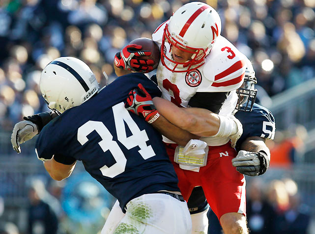 Taylor Martinez rushed for 56 yards and passed for 143 more as Nebraska beat Penn State 17-14.