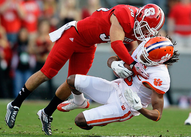 No Sammy Watkins? Big problem. With the freshman phenom sidelined by injury, NC State held Clemson to 338 yards and 13 points. With his favorite target out, Tajh Boyd failed to throw a touchdown pass.