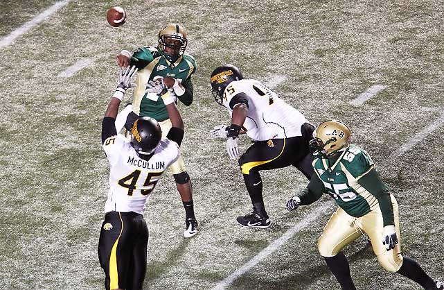 Southern Miss needed a little help, but it had an outside shot at earning a BCS at-large berth if it hung on this week and next and took out Houston in the Conference USA title game. Instead, the Golden Eagles suffered a shocking loss to usually hapless UAB. Jonathan Perry (pictured) passed for 236 yards and a touchdown and ran for another score, and Ty Long kicked a 38-yard field goal with 3:04 left to seal the victory on Thursday night.