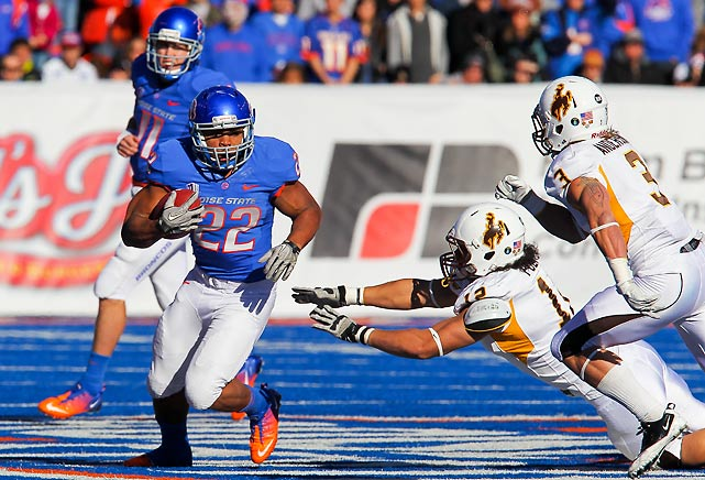 Boise State got off to a sluggish start, but Kellen Moore and Co. posted 36 consecutive points to win their 10th game of the season and secure a second-place finish in the Mountain West. Moore finished 24-of-36 for 279 yards and three touchdowns. Doug Martin (pictured) rushed for 163 yards and two scores on 27 carries.