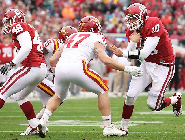 This year hasn't played out as preseason No. 1 Oklahoma wanted, but at least the Sooners avoided the indignity of following archrival Oklahoma State's lead in losing to Iowa State. Landry Jones failed to throw a touchdown pass for the second game in a row, but backup Blake Bell (pictured) continued to do his best Tim Tebow impression, rushing for two touchdowns on eight carries.