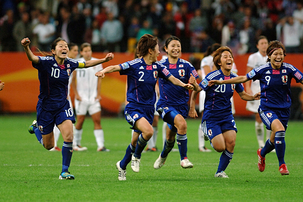 On two separate occasions the U.S. went up a goal on Japan in a classic final, and two times the Japanese came back to equalize before finishing off the Americans in a penalty shootout. The U.S. was just three minutes from World Cup glory on Abby Wambach's extra-time header when Japanese legend Homare Sawa stabbed home a corner kick to deflate a U.S. defense that was at fault on both of the Japanese strikes. The dramatic game drew an ESPN audience of more than 13 million U.S. viewers.