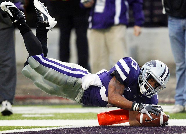 Kansas State tailback John Hubert dives across the goal line for the winning touchdown against Iowa State. The Wildcats won 30-23.