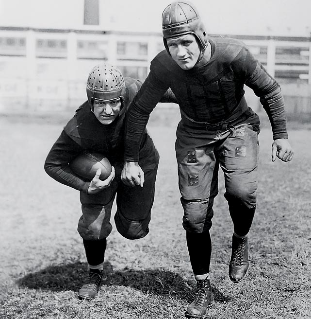 The Bears entered the 1934 season looking to three-peat as NFL champions. Although Chicago came up short in '34, the team produced six Hall of Famers, including Bronko Nagurski and Red Grange (pictured).