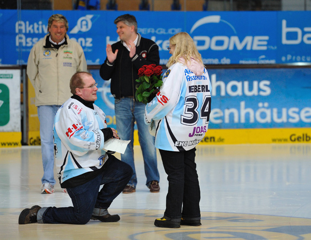 German volleyball player Manuel Rieke proposes to his girlfriend after a match in 2010.