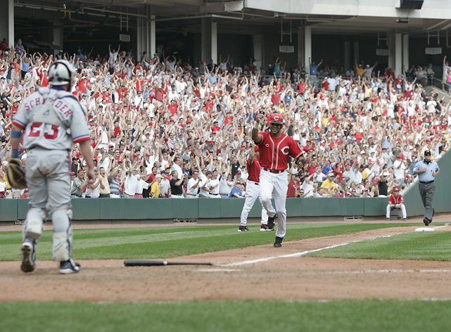 Larkin heads home against the Expos in a June 2004 game at Great American Ballpark. Larkin retired after the 2004 season -- his 19th year in the big leagues.