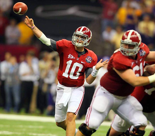 AJ McCarron completed 18-of-25 passes in the first half for 155 yards, setting up four field goal attempts and three successful conversions.