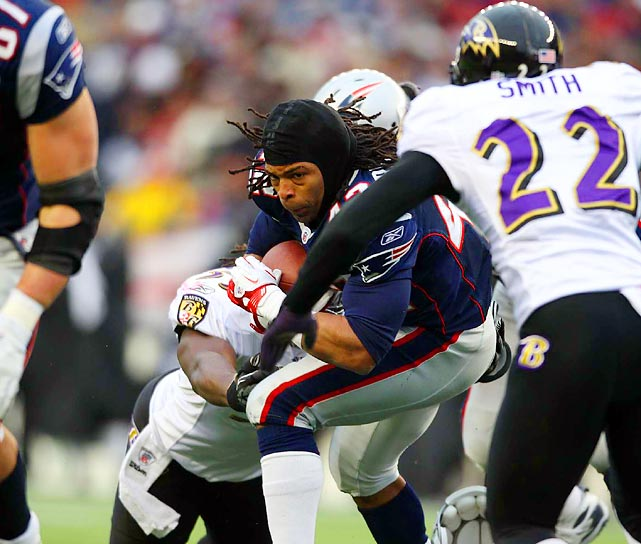 Helmetless New England running back BenJarvus Green-Ellis carries the ball in the Patriots' 23-20 AFC Championship win over Baltimore.