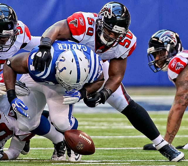 Lofton may have toiled in relative anonymity in 2011, but that doesn't mean he didn't have a big year. The fourth-year middle linebacker was fifth in the NFL and led the Falcons with 147 tackles in the regular season.