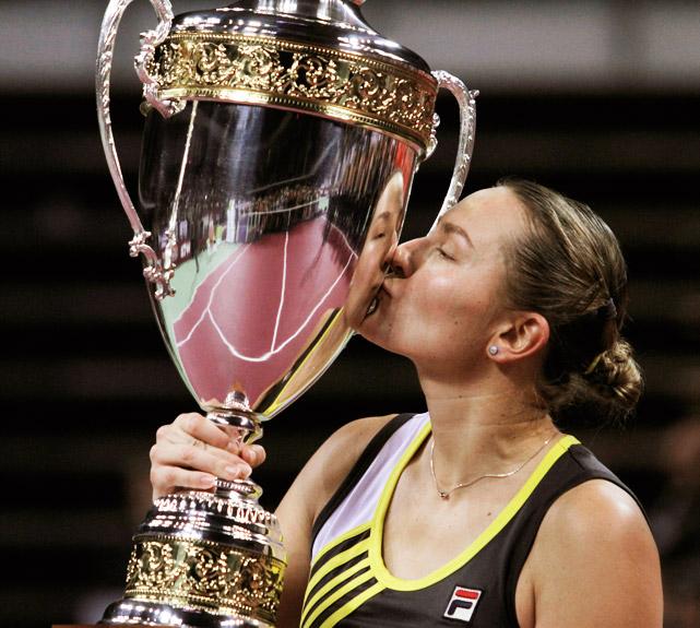 def. Agnieszka Radwanska 6-0, 1-6, 6-3 WTA Premier, Hard, $2,168,400 Tokyo