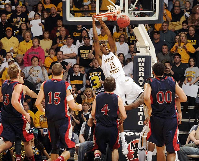 Murray State's Brandon Garrett dunks in the Racers' Bracketbusters win over St. Mary's.