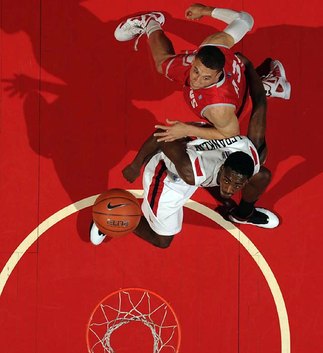 San Diego State's Jamaal Franklin boxes out a New Mexico player during a Mountain West conference battle.