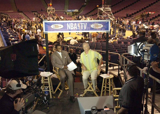 Murray gets interviewed by Ahmad Rashad on NBA TV before a 2003 Finals game between the Nets and the Spurs.