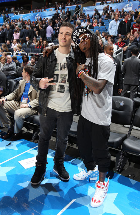 "Vinny was quite the social butterfly. After chatting up Chris Brown during Saturday's events, the ""Jersey Shore"" star hit up rapper Lil Wayne during Sunday's game. We can only imagine what they talked about."
