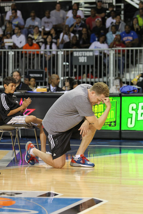 Actor Michael Rapaport, who won the celebrity game MVP award in 2010 after scoring just four points, thought Tebowing would help him in this year's celebrity three-point shooting contest.