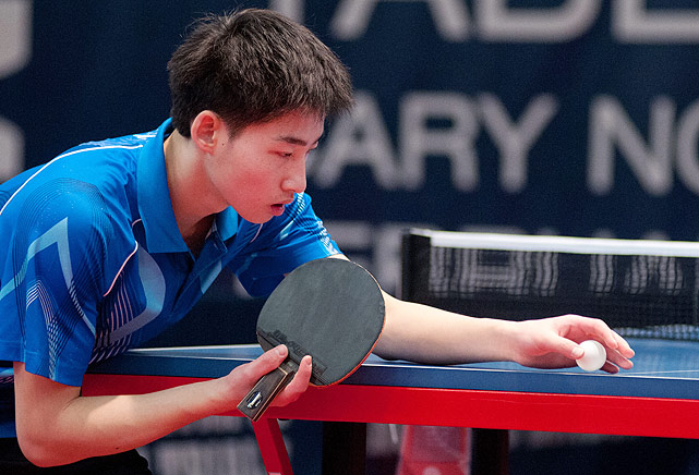 Massachusetts native Grant Li prepares to serve. The 17-year-old finished eighth in the field.