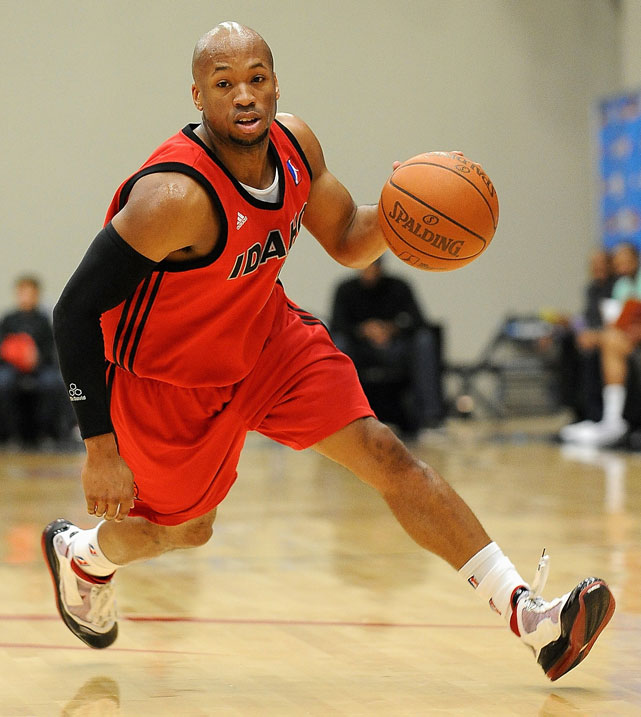 Gaines was Tolliver's teammate in Idaho in 2009-10, averaging 23.9 points and 6.9 assists in 14 games with the Stampede.