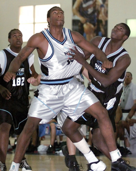 Stoudemire didn't take up organized basketball until he was 14. He played just two years of high-school ball, averaging 29.1 point, 15 boards and 6.1 blocks as a senior at Cypress High.