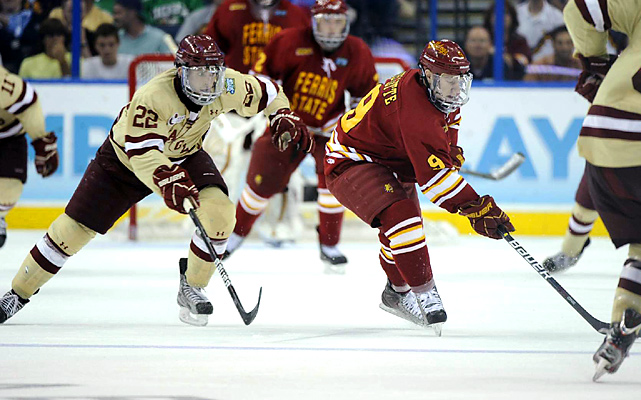 Paul Carey (left) scored an even-strength goal midway through the first period to give the Eagles the lead for good. Boston College won its last 19 games in winnings a fifth national championship.