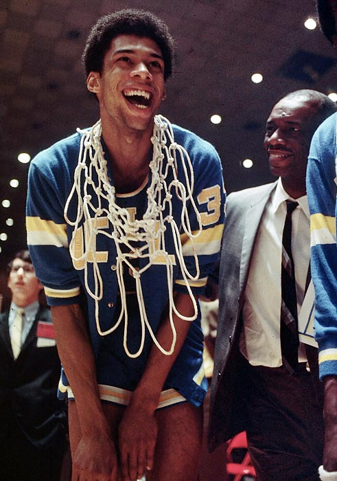 Kareem Abdul-Jabbar discusses new book, John Wooden and more in Q&A | SI.com