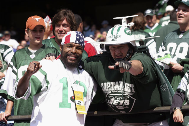 Mr. T hangs out with Captain Jet at a 2006 Colts-Jets game in East Rutherford, NJ. T was not good luck for the Jets, who lost 31-28.