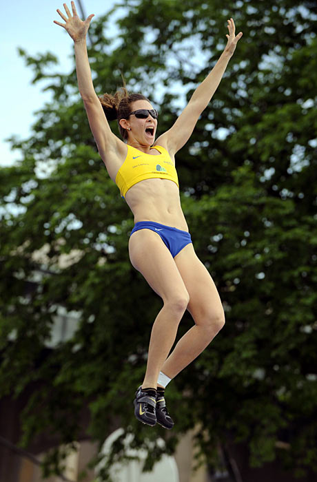 Brazilian pole vaulter Fabiana Murer won the women's competition. Murer also won gold at the 2011 track and field world championships, and is favored to medal in London.