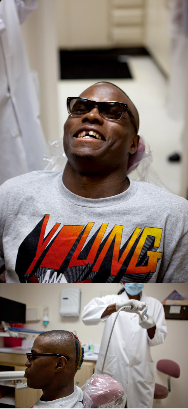 Earlier in the day, Quillin noticed his mouthpiece was cutting the inside of his jaw. When he spotted a dentist's office along the highway in Torrance during the drive back from the pet store, he asked to pull over. It took 15 minutes for the dentist to examine him and trim the mouthguard.