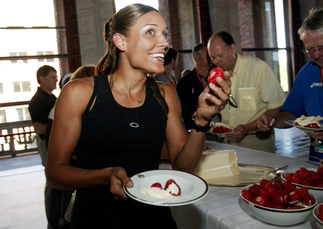 Jones appeared at the traditional strawberry party before the Golden League Bislett Games. She finished second in the 100m hurdles with a time of 12.66