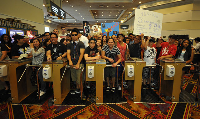 A heavily pro-Pacquiao crowd is expected Saturday when Pacquiao attempts to win his 16th straight fight.