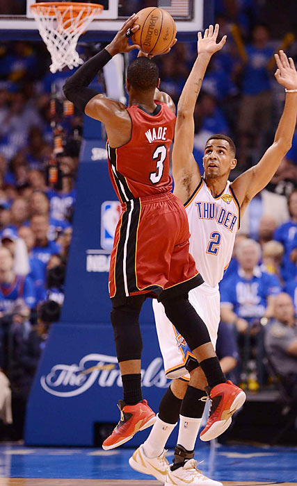 Dwayne Wade helped the Heat to a 53-47 halftime lead, but Miami was outscored 31-21 in the fourth quarter.