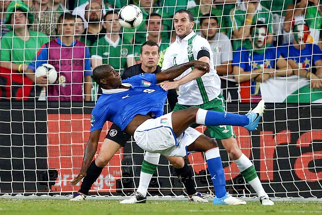 Needing a victory against Ireland and any result below a 2-2 draw, Italy played an uncharacteristically aggressive second half to defeat former coach Giovanni Trappatoni's side and advance to the quarterfinals. Mario Balotelli scored a terrific volley in the 90th minute to pad a lead established by Antonio Cassano in the 35th minute. Ireland never honestly tested Italian goalie Gigi Buffon, despite playing its strongest game of the tournament.