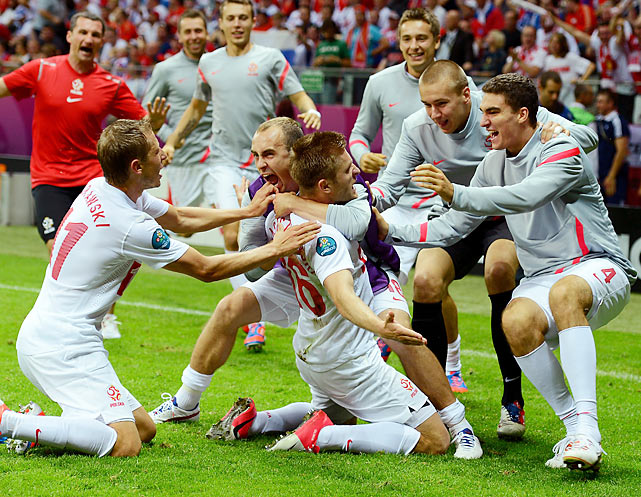 In another exciting draw, the Poles needed an explosive shot from Jakub Blaszczykowski to beat Russian keeper Vyacheslav Malafeev, who turned away several great Polish chances throughout the match. Alan Dzagoev scored his third goal of the tournament to become the leading scorer in Euro 2012, but it was Malafeev that kept the Russians at the top of Group A.