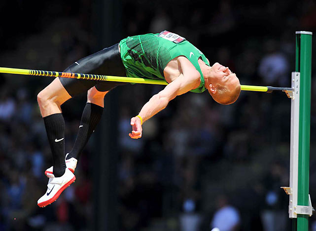 Consistently ranked in the world's top 10, the 29-year-old high jumper out of North Carolina will try to propel his 6-foot, 155-pound frame even higher in 2012 after missing the finals in Beijing. Following a gold-medal performance at the 2011 world outdoor championships -- the first American to accomplish the feat in two decades -- Williams appears to be the favorite in the event in 2012.