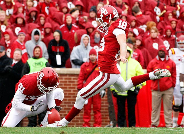 As a walk-on redshirt freshman, Hunnicutt beat out more experienced teammates to become the Sooners' primary placekicker. Successful on 21-of-24 field goal attempts, he nailed a 53-yarder at Kansas State.