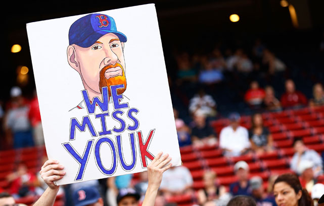 Kevin Youkilis received a hero's welcome when he returned to Fenway Park after being traded to the White Sox.