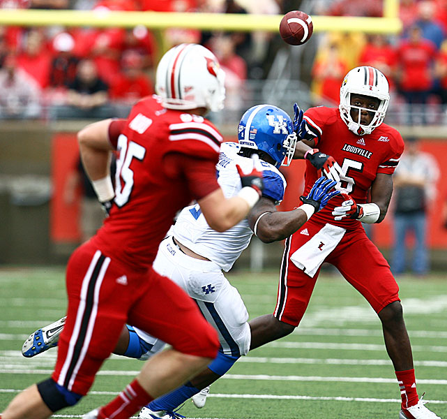 Sophomore quarterback Teddy Bridgewater led the Cardinals on a 99-yard scoring drive to open the game, then followed that up with drives of 85 and 93 yards as Louisville rolled to a 32-14 win over Kentucky to capture the Govenor's Cup. Bridgewater finished with 232 yards passing while Jeremy Wright rushed for 105 yards and three touchdowns.
