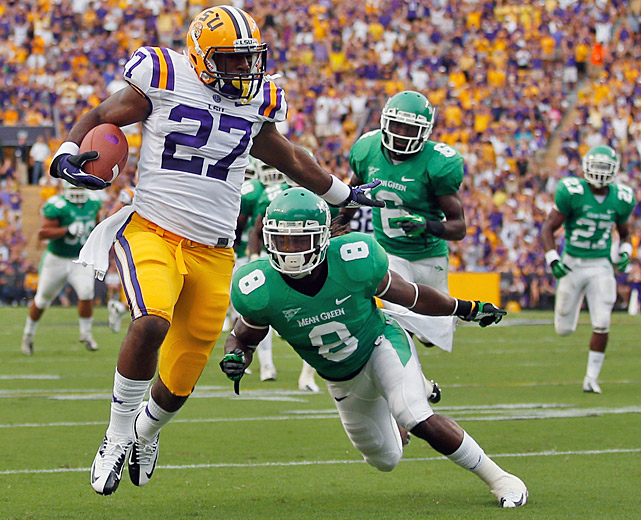 Kenny Hilliard rushed for 141 yards and two touchdowns, and No. 3 LSU opened its season with a big nonconference victory. While the heavily favored Tigers -- who rushed for 316 yards -- were never threatened, their performance did not always thrill a Death Valley crowd.