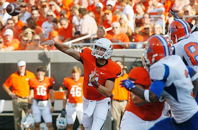 Freshman Wes Lunt completed all 11 of his passes in a brief first outing as the new starting quarterback as Oklahoma State beat outmatched Savannah State. The lopsided result was hardly a surprise. Savannah State (0-1), one of the worst teams from a lower division, had won only four games in against Football Championship Subdivision competition in 10 years and was playing team from the FBS for the first time.