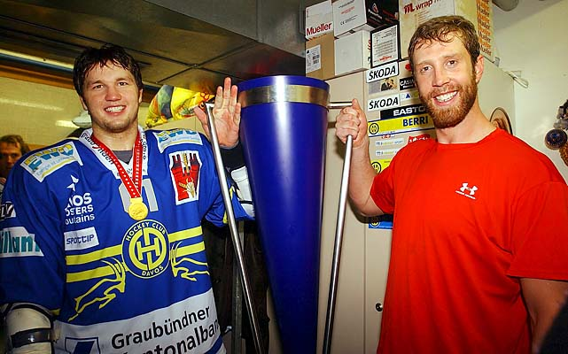 Many stars went abroad to stay sharp. Joe Thornton and Rick Nash won the 2005 Swiss league championship with Davos, lifting the master cup.