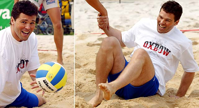 Jaromir Jagr enjoyed his time off with some beach volleyball and then joined up with a Czech team and played in the Russian Super League, too.