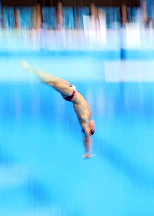 Tom Daley of Britain settled for the bronze in the 10-meter platform diving at 556.95 after leading going into the final dive in front of a raucous home crowd that included David Beckham and his three sons.