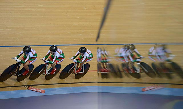 Belarus cyclists Tatsiana Sharakova, Alena Dylko and Aksana Papko were beside themselves in women's team pursuit qualifying at the Velodrome.