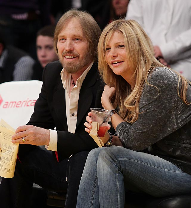 Tom Petty and his wife Dana York attend a game between the Los Angeles Clippers and the Los Angeles Lakers at Staples Center.
