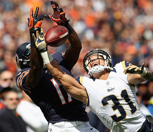 St. Louis's Cortland Finnegan breaks up a pass intended for Chicago's Alshon Jeffery during the Bears' 23-6 win over the Rams.