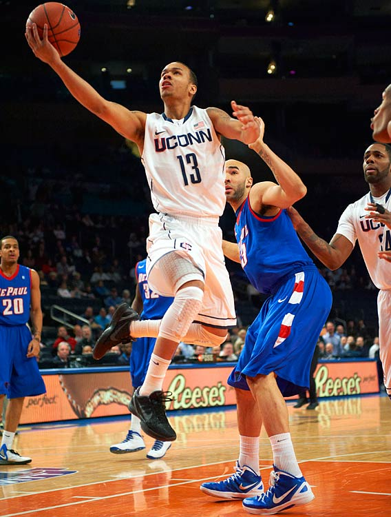 Stats to know: 13.0 ppg, 5.8 apg, 35.5% 3P  The former super sub was all over the place in his first season as a starter last year, scoring 20-plus points in 11 games but five or fewer points eight times. The thinned-out Huskies will becounting on him to carry much of the offense in a transitional season, so he will need to show more of the former form than the latter.